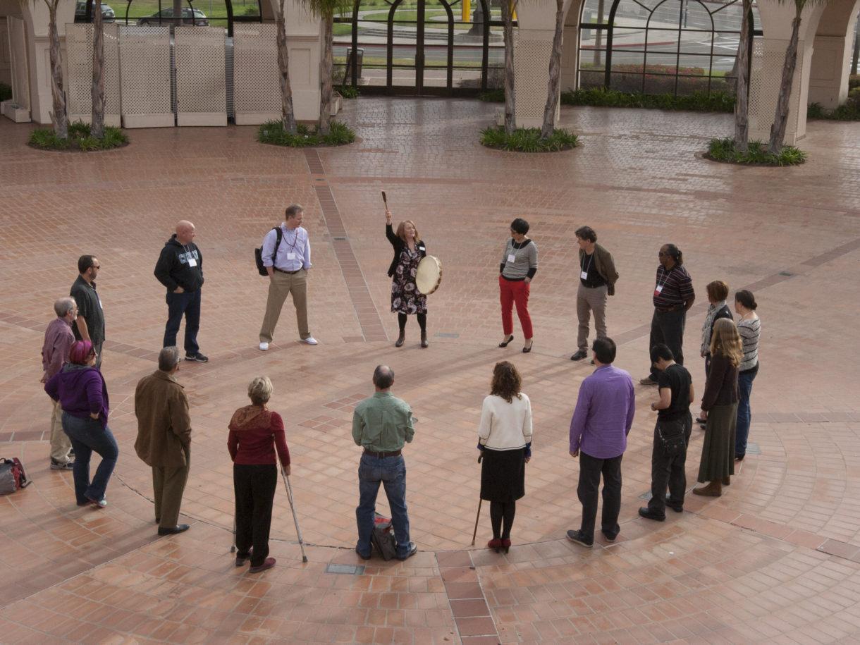 Somatics, Phenomenology and Communicative Leadership