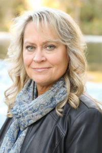 Alum Lynn Schmidt