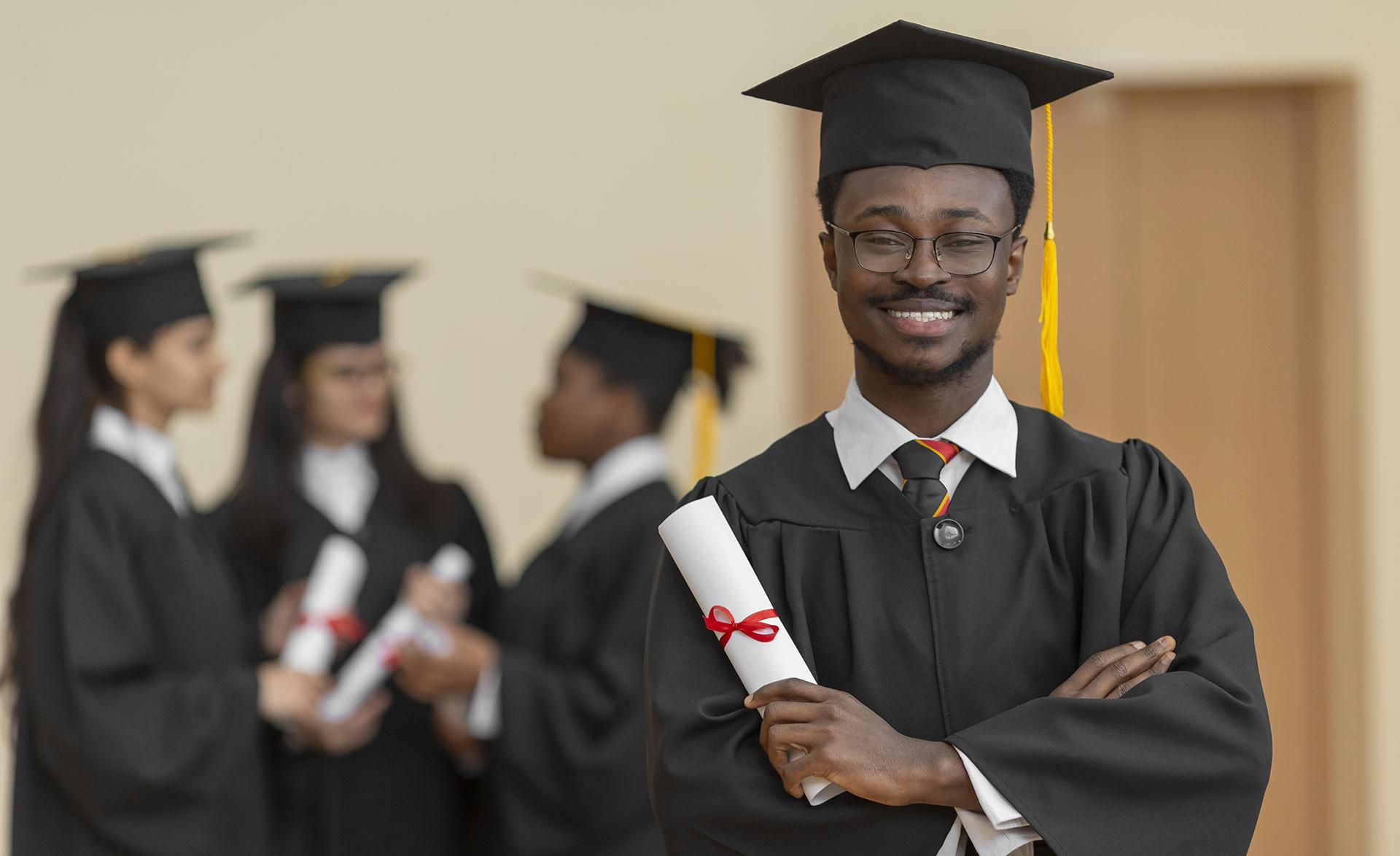 medium-shot-people-graduating