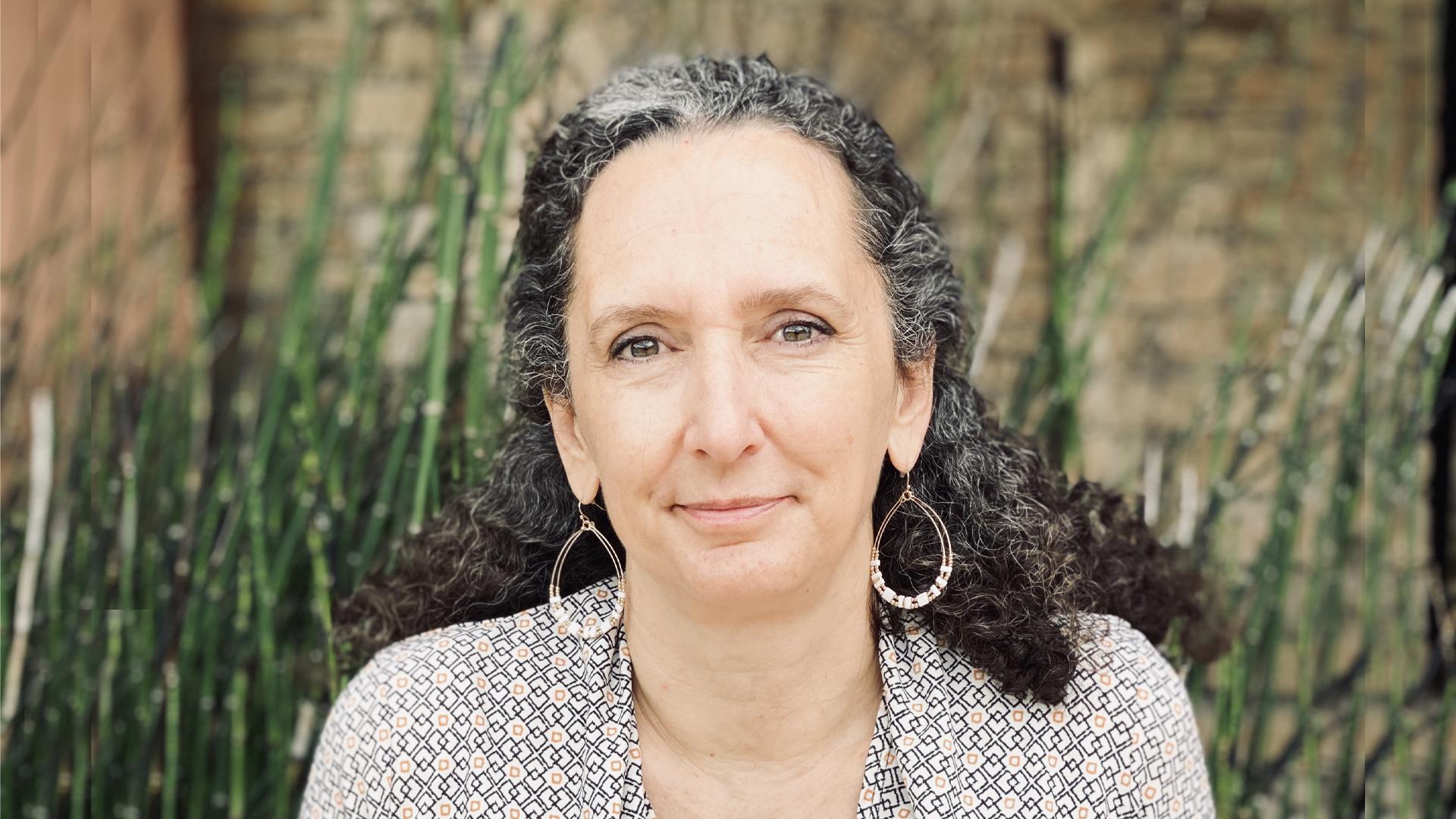 Dr. Carmen Bolanos